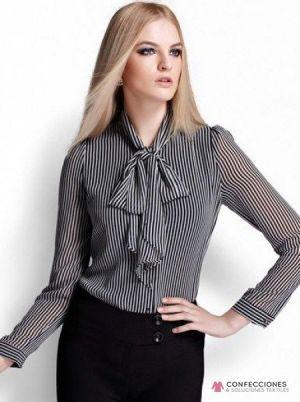 camisa con nudo corbata en cuello cstradha