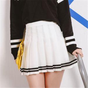 Falda Escolar Blanca Con Dos Lineas Plisada Corta