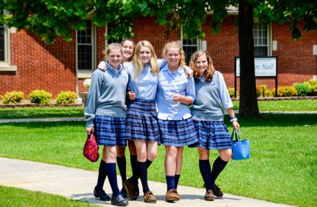 Faldas Y Camisa Azul Uniformes Para Colegios
