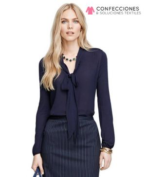 uniforme con blusa de seda cstradha
