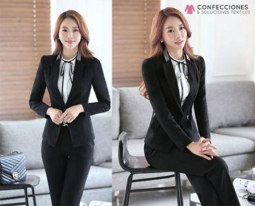 uniforme con chaqueta para camarista