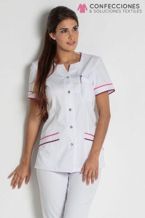 uniforme medico de mujer con rayitas cstradha